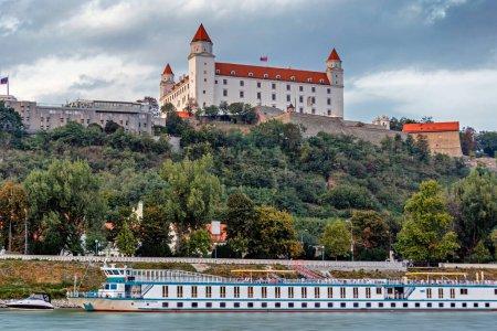 Photo pour Château à Bratislava, Slovaquie - image libre de droit