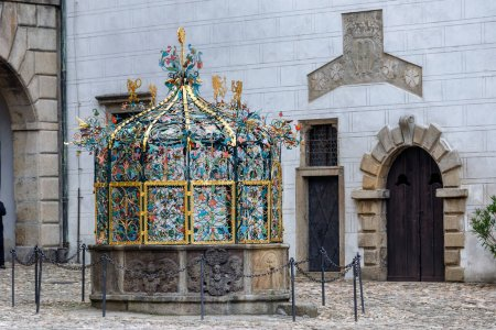Photo pour Castle in Jindrichuv Hradec, castle well - Czech Republic - image libre de droit