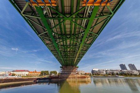 Photo pour Bratislava, construction of the new bridge, Slovakia - image libre de droit