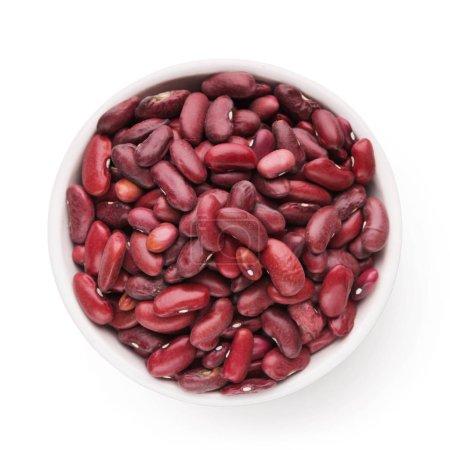 rote Kidney-Bohnen in Schale auf weißem Hintergrund