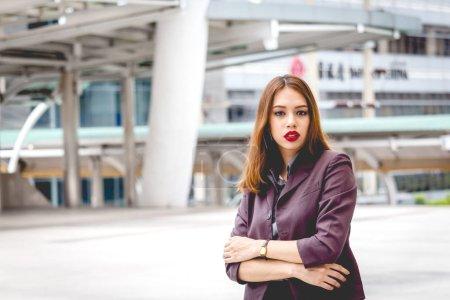 Photo pour Portrait d'une femme d'affaires professionnel - image libre de droit