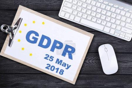 Photo pour Règlement général sur la protection des données, RGPD. Presse-papiers avec clavier et souris - image libre de droit