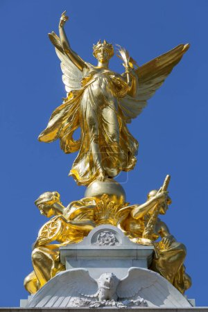 Photo pour Victoria Memorial sculpture à Londres - image libre de droit