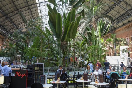 Photo pour Espagne, Madrid, Gare ferroviaire Atocha - image libre de droit