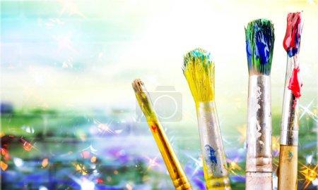 Photo pour Talent, créativité et art artiste pinceaux - image libre de droit