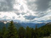 """Постер, картина, фотообои """"Горы и леса в Канаде. Нетронутой природы канадский пейзаж."""""""