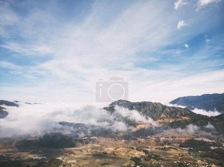 Photo pour Les images brutes des paysages à la montagne et le village de Sapa, destination touristique du Nord-Vietnam - image libre de droit