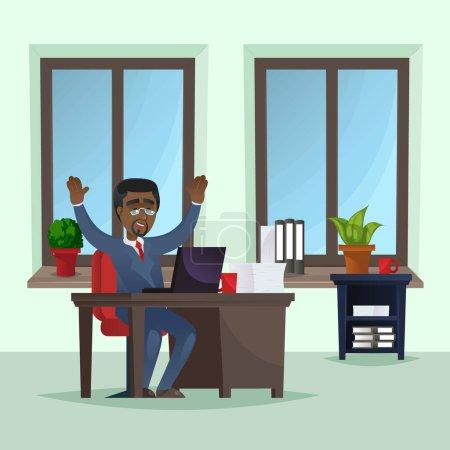 Heureux homme d'affaires travaillant sur ordinateur portable au bureau. Manager portant costume bleu d'affaires et cravate à l'intérieur du bureau avec de grandes fenêtres. Entreprises gens d'affaires, illustration vectorielle du personnel de l'entreprise.