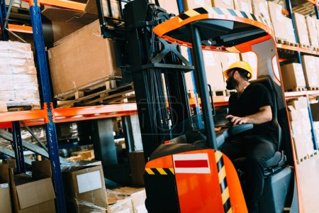 Photo for Logistics man working in warehouse - Royalty Free Image