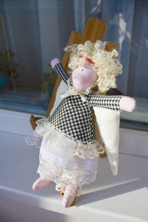 Photo pour Poupée textile douce tilda Angel - image libre de droit