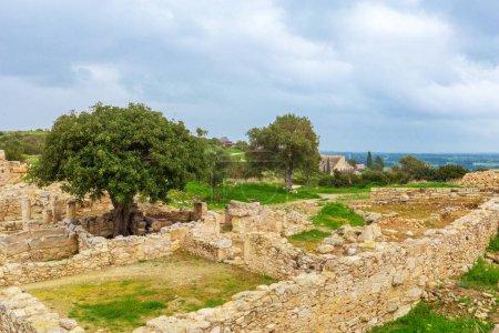 Ruines antiques. Chypre sur fond