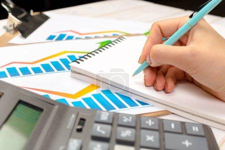 Foto de Inversiones en diferentes oficinas, concepto de negocio - Imagen libre de derechos