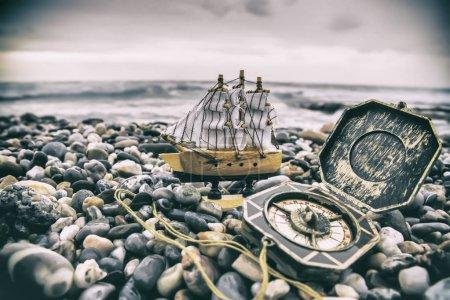 Photo pour Antique pirate objets collections - image libre de droit