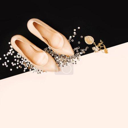 Photo pour Accessoires de mode de femmes shoesand. Vue plate Lapointe, top. - image libre de droit