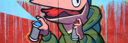 Photo pour Fragment de dessins de graffiti. Le vieux mur orné de taches de peinture dans le style de la culture de l'art de la rue. Texture de fond coloré. - image libre de droit