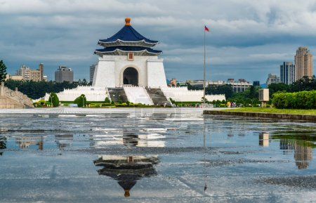 Photo for Chiang kai-shek memorial hall in Taipei - Royalty Free Image