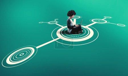 Foto de Hombre trabajando en el ordenador portátil en medio de una red  . - Imagen libre de derechos
