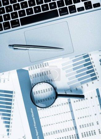 Photo pour Concept d'analyse des données financières - image libre de droit
