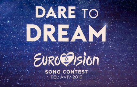 Photo pour TEL AVIV, ISRAEL. May 11, 2019. A street sign with an official logo of the international Eurovision song contest in central Tel Aviv. Eurovision 2019 concept, Dare to dream. - image libre de droit