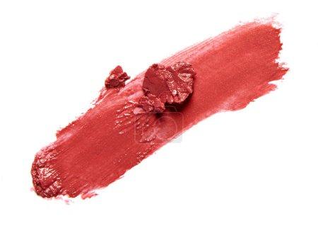 Photo pour Rouge rouge rouge à lèvres trait isolé sur fond blanc - image libre de droit