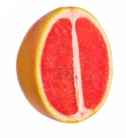 Photo pour La moitié de pamplemousse isolé sur fond blanc avec un tracé de détourage tranchés. - image libre de droit