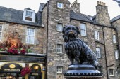 Monument to dog Greyfriars Bobby, Edinburgh