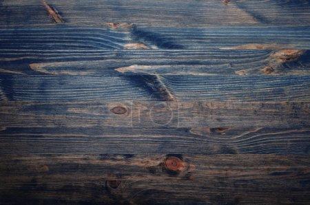 Photo pour Surface de pin en bois foncé bleu et brun. Vue d'en haut. Contexte - image libre de droit