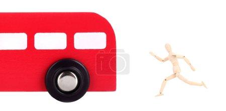 Photo pour L'homme court après le bus - image libre de droit
