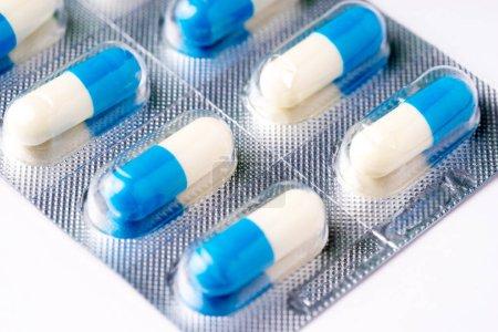 Photo pour Médecine, tablet, vitamine et drogues diverses forme - image libre de droit