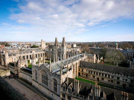 Photo pour Ville d'Oxford de la vue de dessus - image libre de droit