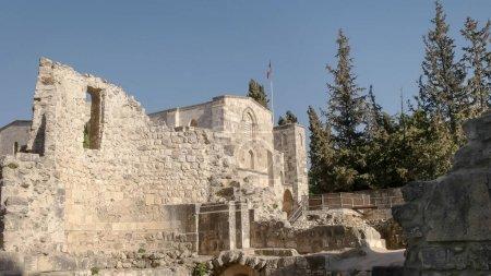 Photo pour Les ruines de la piscine de l'église de Bethesda et st annes dans la vieille ville de Jersey, Israël - image libre de droit