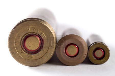 Bullets and cartridges of different calibers...