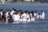 Sao Paulo, Brazil, November 15, 2013. Baptism ceremony of faithful of the Evangelical Baptist Church, in Praia do Sol Park on the banks of the Guarapiranga Dam, south of Sao Paulo,