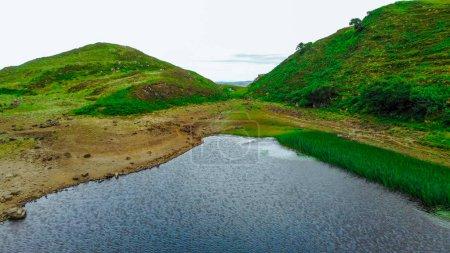 Photo pour Incroyable paysage sur l'île de Skye en Ecosse - vue aérienne - image libre de droit
