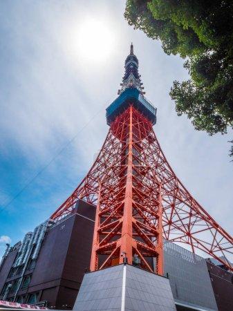 Photo pour Tokyo Tower - une célèbre point de repère dans la ville - image libre de droit