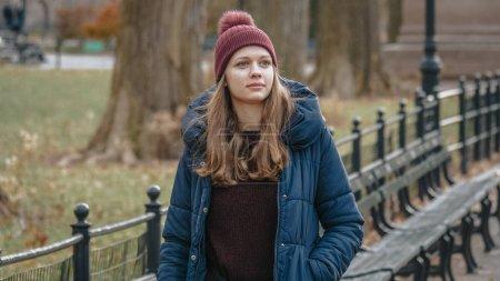 Photo pour Jeunes femmes profiter de leur temps de détente à Central Park New York - photographie de voyage - image libre de droit