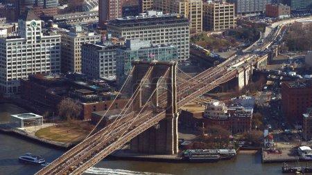 Photo pour Vue aérienne sur pont de Brooklyn New York - photographie de voyage - image libre de droit