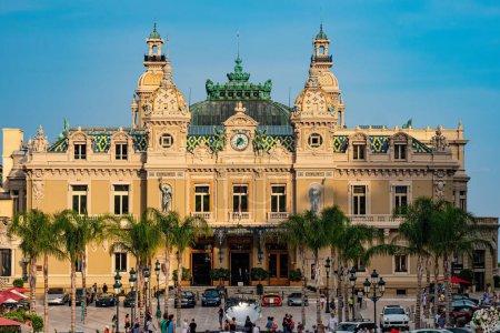 Photo pour Célèbre Casino de Monte Carlo à Monaco - MONTE CARLO, MONACO - 11 JUILLET 2020 - image libre de droit