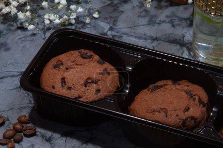 Photo pour Biscuits sucrés savoureux sur la table. - image libre de droit