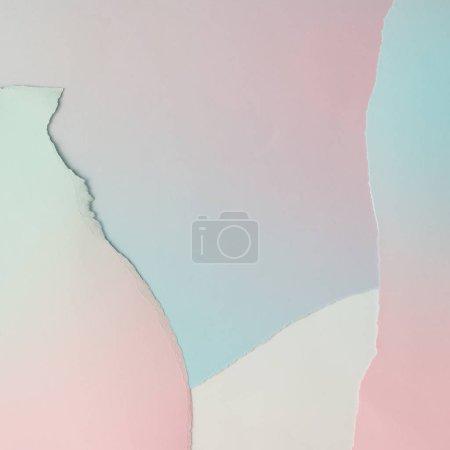 Photo pour Mise en page créative en fond de dégradé de papier rose et bleu pastel - image libre de droit