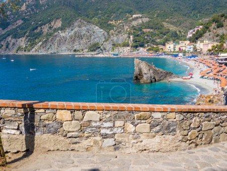 Foto de Gran vista de aguas tranquilas de mar durante el día (Cerdeña) Cerdeña, Italia - Imagen libre de derechos