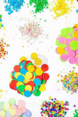 Color vacaciones confeti de varios tipos