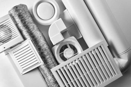 Photo pour Composants du système de ventilation sur fond blanc vue de dessus - image libre de droit