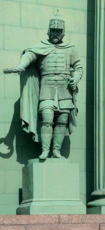 Photo pour The statue of a victorious warrior. Narva tiumphal arch (St. Petersburg, Russia), 19th century - image libre de droit