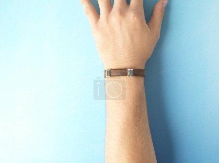 Photo pour Bracelet en cuir naturel fait main - image libre de droit