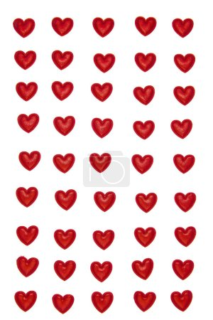 Sammlung roter Herzen auf weißem Hintergrund ausgebreitet und isoliert. Symbol der Liebe. Valentinstag