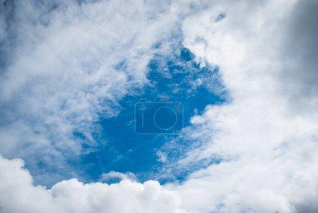 Foto de Nubes de cielo, cielo con nubes y sol - Imagen libre de derechos