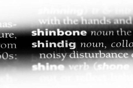 Photo pour Shindig mot dans un dictionnaire. concept shindig . - image libre de droit