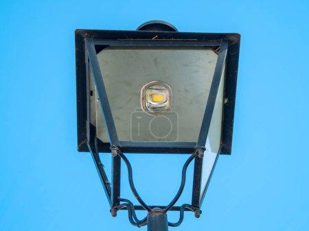 Photo pour Lampe de rue en Espagne - image libre de droit