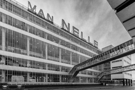 Photo pour Vue construction d'un bâtiment moderne, usine Van Nelle - image libre de droit